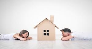 Los jovenes destinan el 50% de sus ingresos a compra o alquiler de pisos